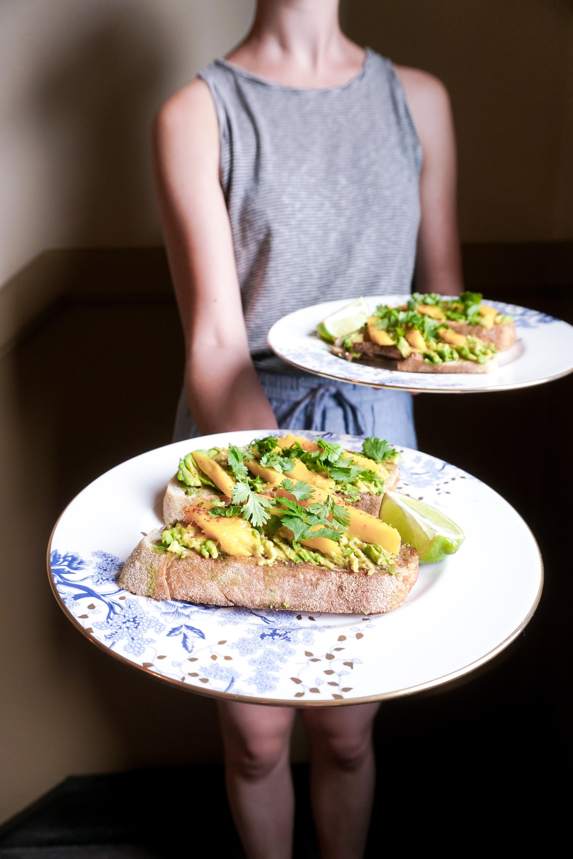 Smoky mango avocado toast 312food recipe