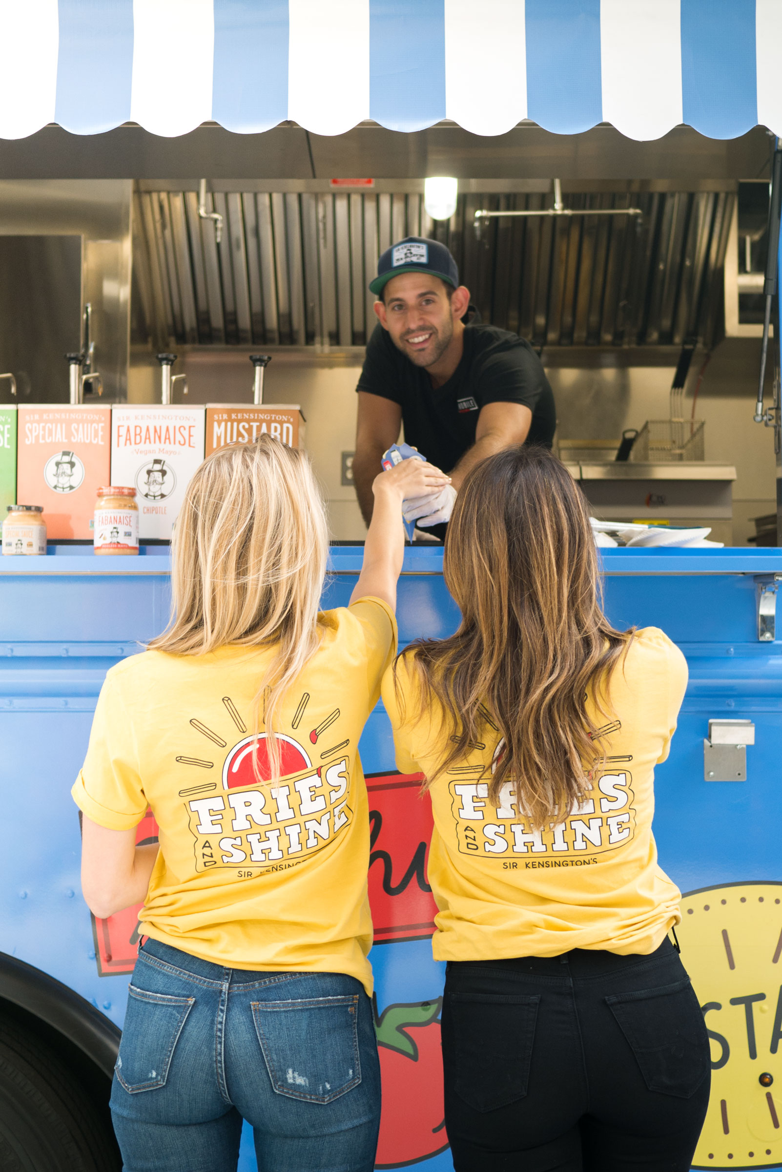Find the Sir Kensington's French Fry Truck in Chicago